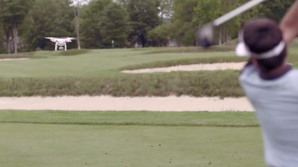 Bubba Watson dégomme un drone au golf